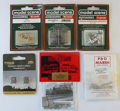 Knightwing Farish N gauge lot- station signs notice boards bus-stops pigs signal