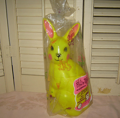 Large Vintage PLASTIC BLOW MOLD EASTER BUNNY CANDY CONTAINER in Original Package