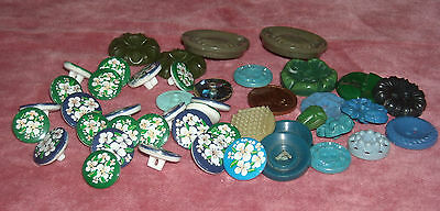 09 N15 Vintage Lot of 44 early plastic, mix deco buttons