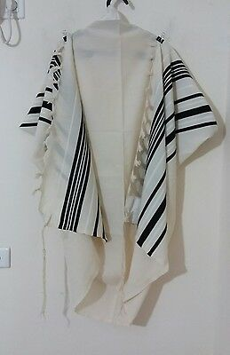Used Kosher Tallit Prayer Shawl 100% Wool Size 50 65X48 Inch 164X124 Cm #1056