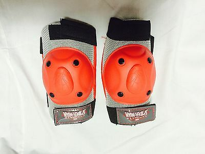Marvel ultimate Spiderman knee and elbow pads Mismatched