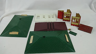 Lot of Vintage Lionel & Erector Building Parts- Roof, Shanty, Wall