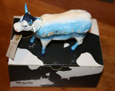 """Cow Parade """"Monuments of London"""" (retired) 2002"""