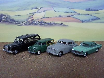 3 Oxford Diecast 1 Classix  Scale Cars   unboxed