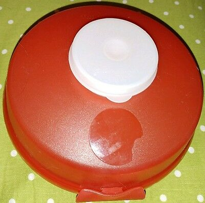 Tupperware Red Bagel Sandwich Container w/Dressing or Dip Container