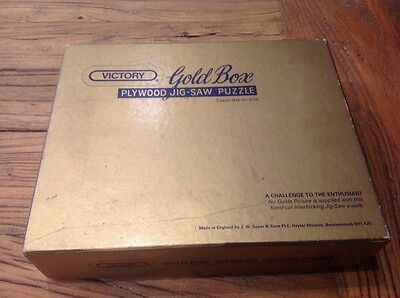 Victory Gold Box Jig Saw Puzzle Halting At The Inn