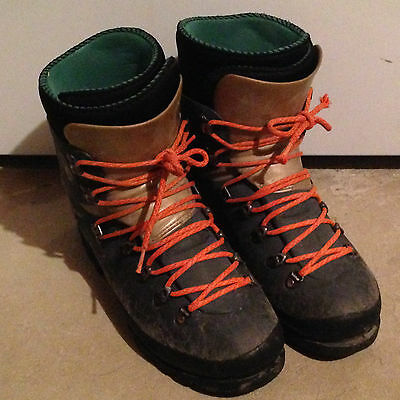 Scarpa Alpha Plastic Winter Mountaineering Ice Climbing Snowshoe Boots W 7 M 6