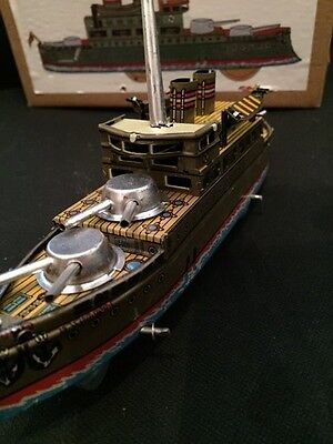 CLASSIC TINPLATE BATTLE SHIP GUN BOAT1950s STYLE REPRODUCTION MODEL BOXED