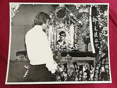 1970s 李小龍  Bruce Lee The Man and the Legend movie lobby real photo funeral