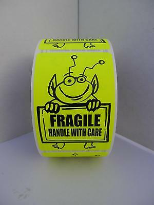FRAGILE HANDLE WITH CARE Cute Yellow Alien Holding Sign 2x3 sticker label 250/rl
