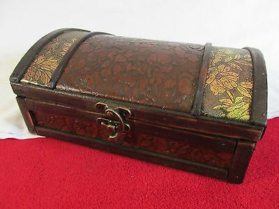 Small Wood Treasure Chest Small Trunk Box Vintage Jewelry Watch Storage Wooden