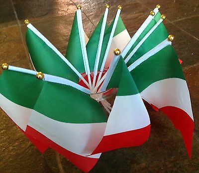 ITALY ITALIAN FLAG PK OF 6 SMALL HAND WAVING Rugby sports Party Product Display