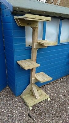The 'freddie' Outdoor Wall Format Cat Tree