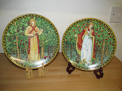 Set Of 2 Past Time Royal Worcester Orchard Collection Plates Autumn & Spring