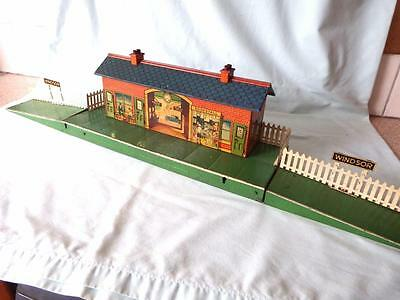 Hornby Gauge 0 Pre-War Tinplate Windsor Station with Opening Doors in Fine Condn