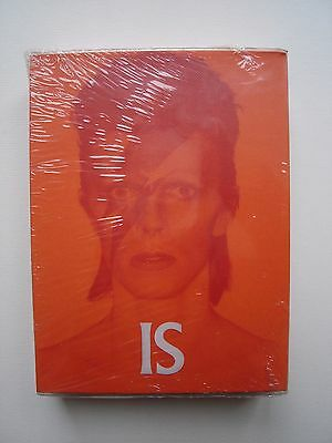 David Bowie 'is' Rare V & A Limited Edition 50 Post Card Box Set - Still Sealed!