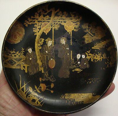 Antique Japanese Meiji period hand decorated papier mache lacquered dish
