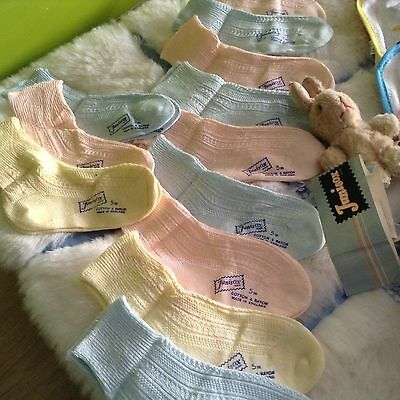 12 X AUTHENTIC VINTAGE 1970s UNUSED GIRLS BOYS INFANTS  BABY SOCKS 3/9 MONTHS