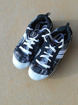 Girls Size 8 Black and Pink Plaid OP Shoes Sneaker