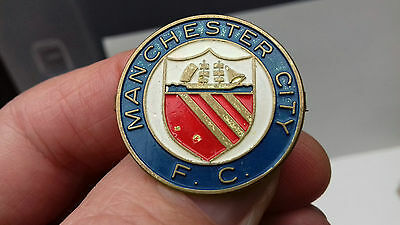 vintage manchester city football badge. man city fc badge.