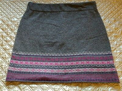 """""""White Stuff"""" cute knitted skirt in size 14"""