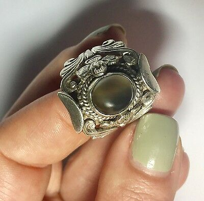 Stunning Antique Handmade Sterling Silver Color Changing Grey Stone Floral Ring