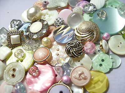 100 Pastel Buttons And Beads, Vintage/new,glass/plastics,