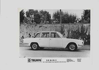 Triumph 2.5 P.i. Mkii Press Photo From Oct. 1969 For 1970 'brochure Connected'