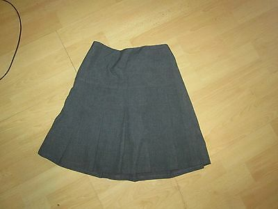 Marks and Spencers Grey School Skirt.Great Condition.Age 8yrs.