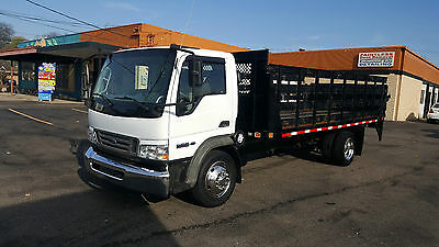 2008 Ford Lcf Stake Truck With Liftgate, Low Miles , Flatbed,large Pics Look !!!