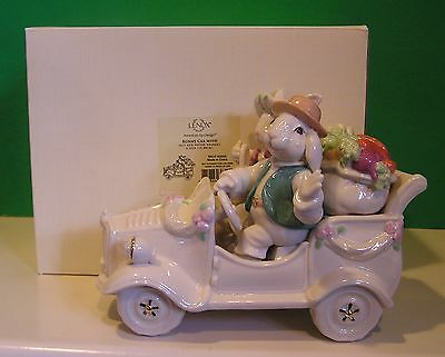 LENOX BUNNY CAR Easter NEW in BOX Centerpiece with SALT n PEPPER Shaker set 3 pc