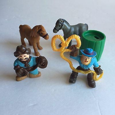 Lincoln Logs Replacemen​t 2 Cowboy Figures With 2 Horses