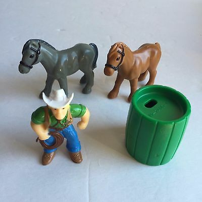 Lincoln Logs Replacemen​t Cowboy Figure With 2 Horses