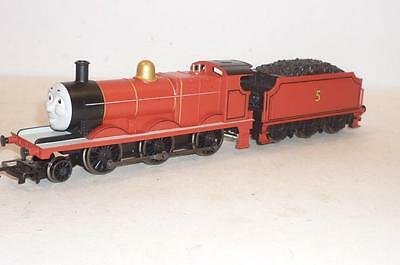 """HORNBY 00 gauge THOMAS """"JAMES THE RED ENGINE"""" LOCOMOTIVE - R852 BOXED"""
