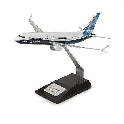 Boeing 737 Max 8 House Livery Desk Top Display Jet Model Aircraft 1/144 Airplane