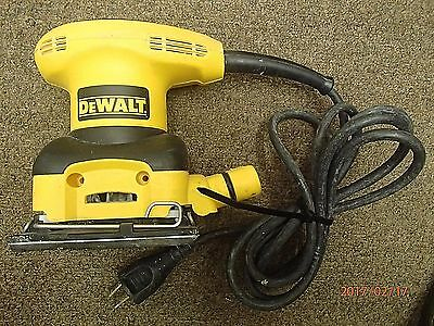 "DeWalt D26441 1/4"" Sheet Palm Sander"