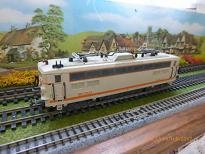 Jouef 'ho' Sncf Bo-Bo Pantographed Loco Bb17029 With Cab Lights - Unboxed