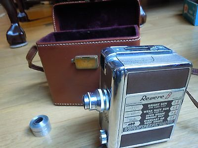 VINTAGE REVERE 8, MODEL 40 MOVIE CAMERA w/ LEATHER CARRYING CASE
