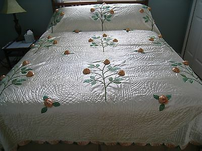 30s FLAPPER GLAM Hnd QUILTED SILK COVERLET w/ DIMENSIONAL SILK EMBROIDERED ROSES