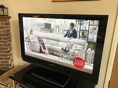"Panasonic Viera 42"" HD 1080  TH-42PZ81B Plasma TV with Stand & Controller"