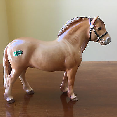 GREAT BESWICK ALBERT HALLAM NORWEGIAN FJORD DUN COLOURED HORSE with STICKER