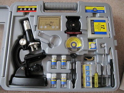 Child's Microscope 67 pieces and acessories in Sturdy Carry Case variable zoom