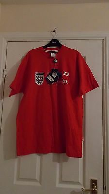 Mens Red Admiral  England football shirt in Size Medium NEW WITH TAGS