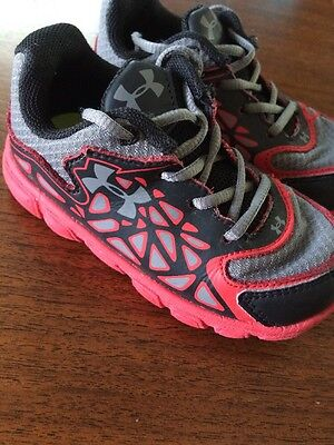 Toddler Boys Gray, Black & Red Under Armour Spine Surge Tennis Shoes Size 6