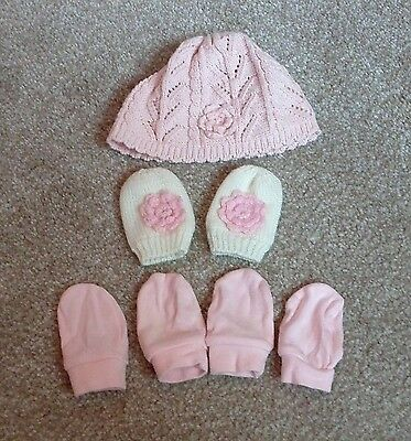 baby girls hat and mittens 0-6 months