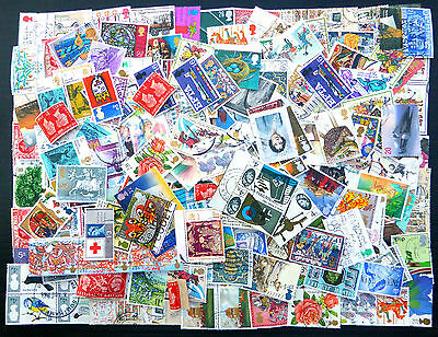 GB Wholesale Commemoratives Used Off Paper 50gms Approx 500 Stamps + BN2126