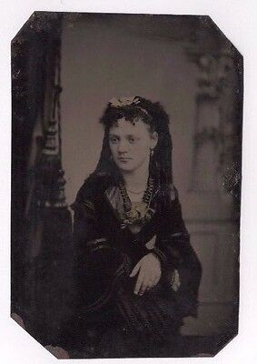 Tinted Tin Type Photograph Pretty Young Lady Studio Portrait Antique C.1880