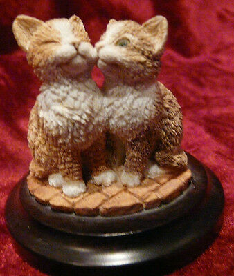 Small Country Artist Kitten Figurine
