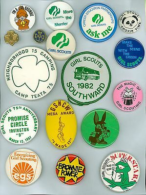 16 Vintage 1970s Girl Scouts Booster Pinback Buttons &1 Patch