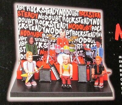 NoDoubt Gwen Steffani With Band Members And Stage Mini Figures Never Removed